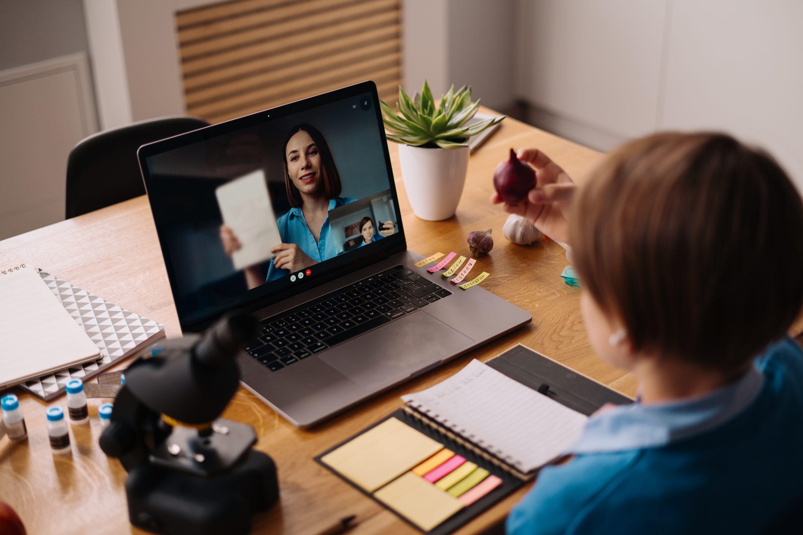 CHS Alternativo implementará curso virtual dirigido a docentes para la prevención de la ESNNA en línea